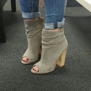 Chinese Laundry Laurel Booties 6.5